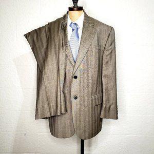 Oscar De La Renta Brown Wool Suit 44S  W 38